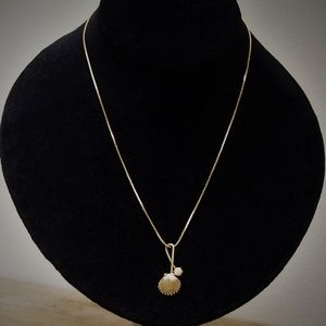 VTG Dainty Scallop & Pearl Loop Choker Necklace